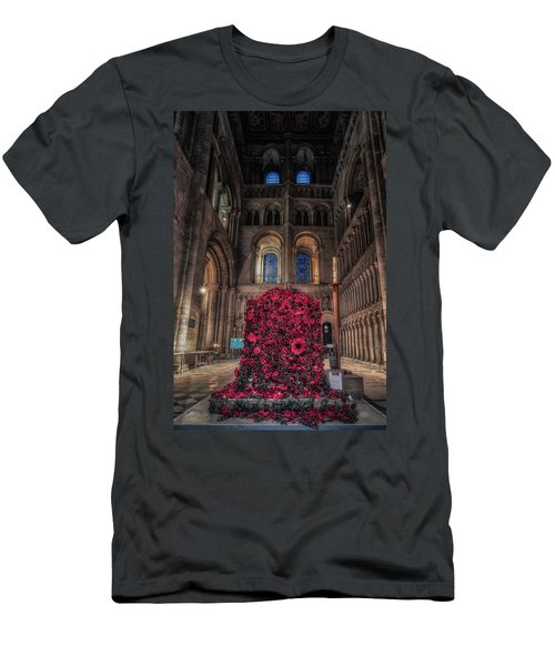 Poppy Display At Ely Cathedral Men's T-Shirt (Athletic Fit)