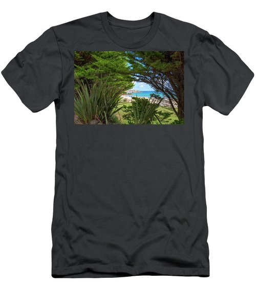 Porthminster Behind The Trees - St Ives Cornwall Men's T-Shirt (Athletic Fit)