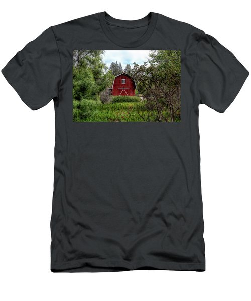 Red House Over Yonder Men's T-Shirt (Athletic Fit)