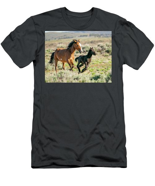 Running Wild Mustangs - Mom And Baby Men's T-Shirt (Athletic Fit)