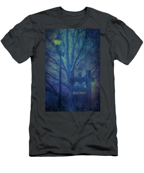 Salem Massachusetts  Witch House Men's T-Shirt (Athletic Fit)