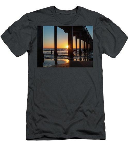 Scripps Pier Men's T-Shirt (Athletic Fit)