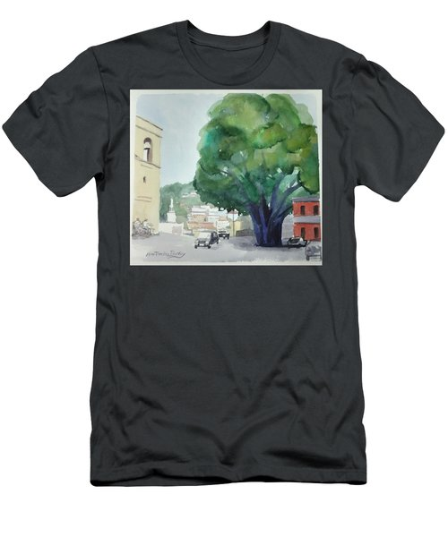Sersale Tree Men's T-Shirt (Athletic Fit)
