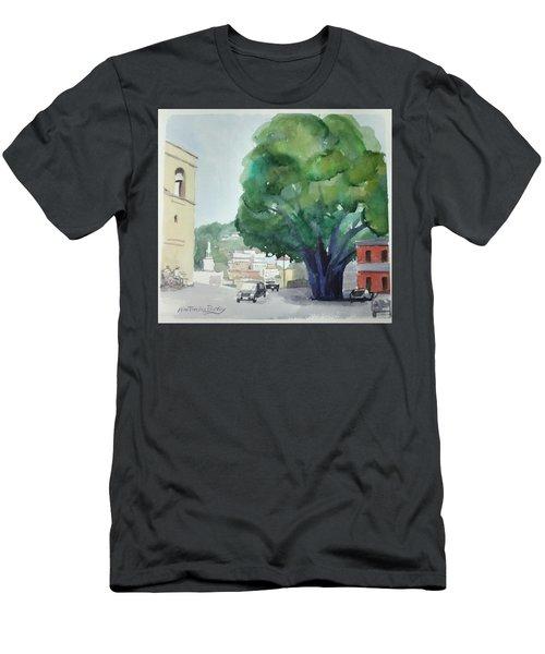 Sersale Tree Men's T-Shirt (Athletic Fit)