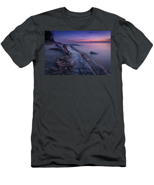 Shipwrecked Men's T-Shirt (Athletic Fit)