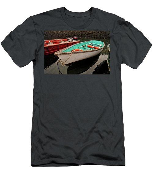 Skiffs Men's T-Shirt (Athletic Fit)