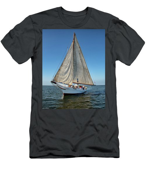 Skipjack At Full Sail  Men's T-Shirt (Athletic Fit)