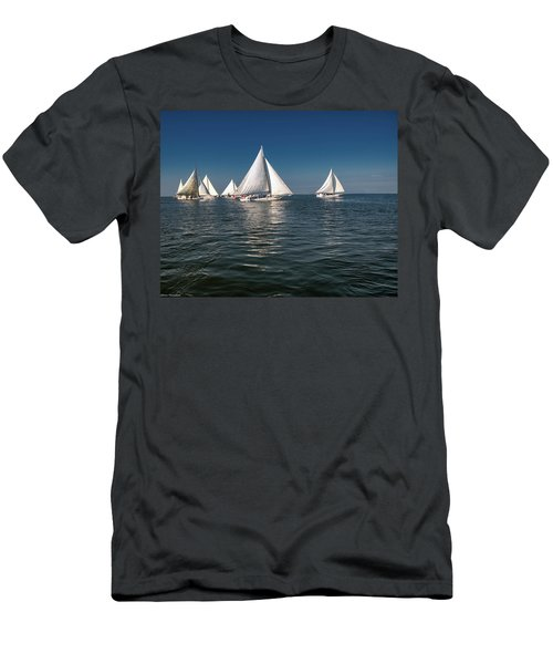 Skipjack Race Deal Island Maryland  Men's T-Shirt (Athletic Fit)