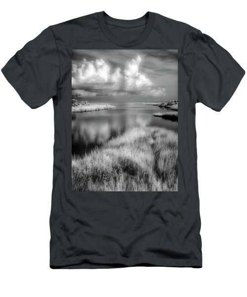 Smooth Waters Bw Men's T-Shirt (Athletic Fit)