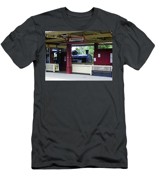 Strathspey Railway. Caladonian Railway 828 Men's T-Shirt (Athletic Fit)