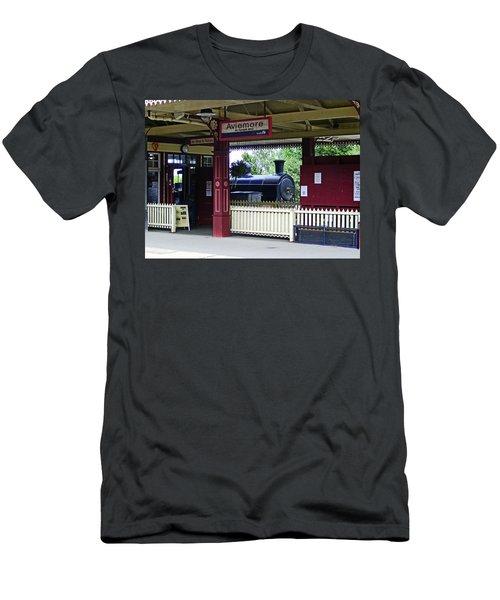 Strathspey Railway. Caladonian Railway 828 Men's T-Shirt (Athletic Fit)