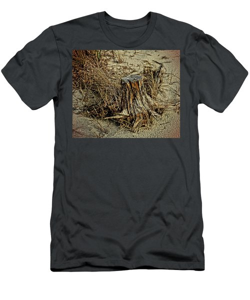 Stump At The Beach Men's T-Shirt (Athletic Fit)