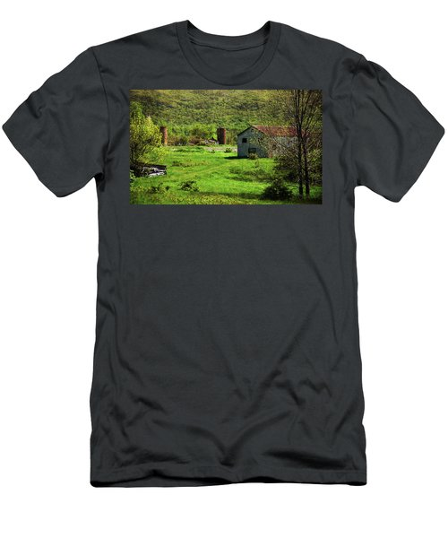 Summer On The Farm Men's T-Shirt (Athletic Fit)