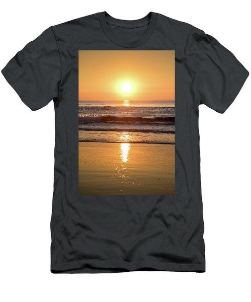 Sunrise At Surfers Paradise Men's T-Shirt (Athletic Fit)
