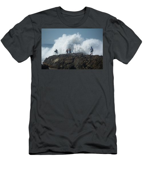 Surfers On The Beach, Coral Sea Men's T-Shirt (Athletic Fit)