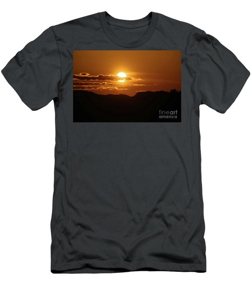 That Moment Of Perspective Men's T-Shirt (Athletic Fit)