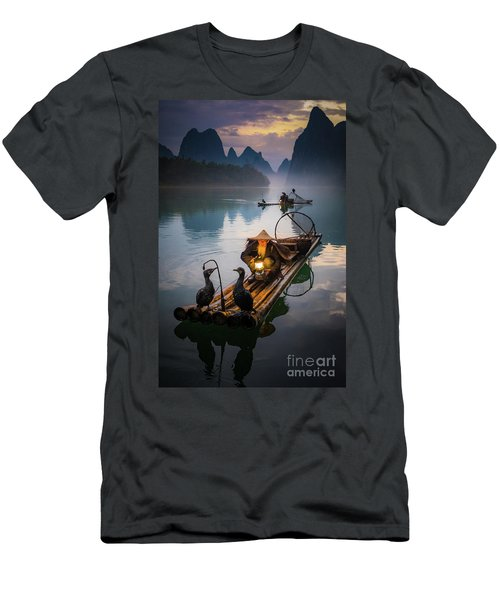The Old Li River Fisherman Men's T-Shirt (Athletic Fit)