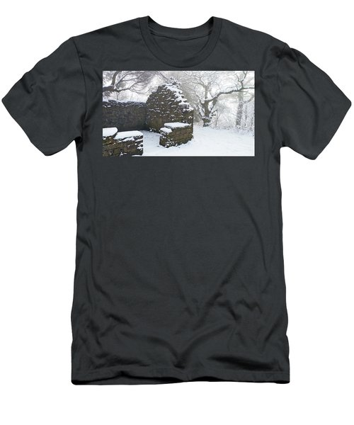 The Ruined Bothy Men's T-Shirt (Athletic Fit)