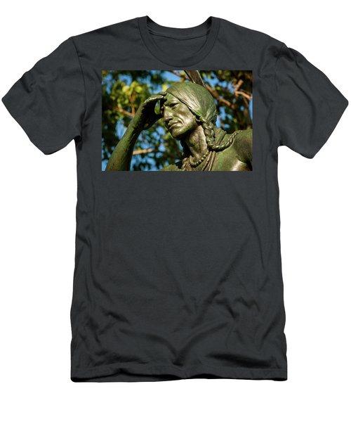 The Scout Detail Men's T-Shirt (Athletic Fit)