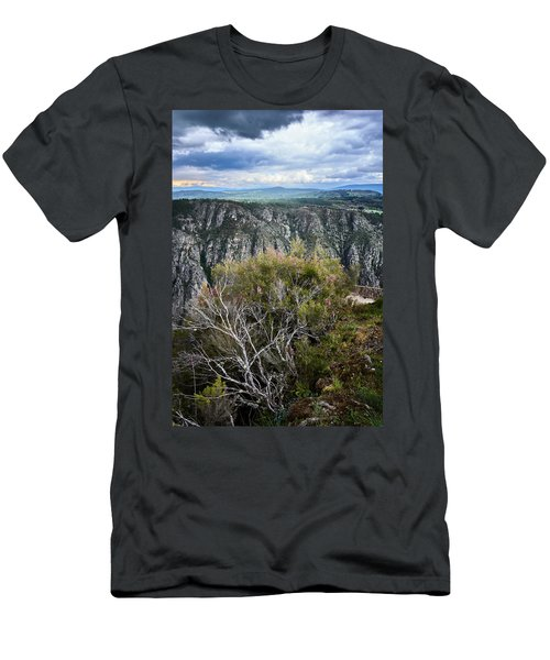 The Sights Of The Sil Men's T-Shirt (Athletic Fit)