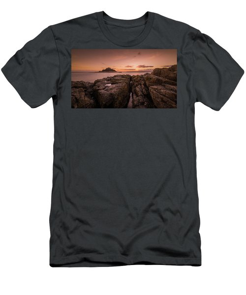 To The Sunset - Marazion Cornwall Men's T-Shirt (Athletic Fit)