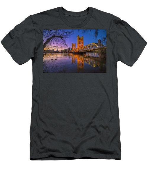 Tower Bridge At Sunrise - 4 Men's T-Shirt (Athletic Fit)