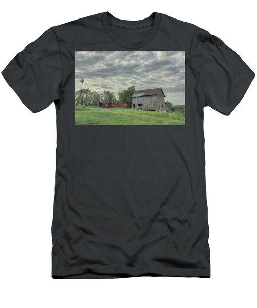 Train Cars And A Barn Men's T-Shirt (Athletic Fit)