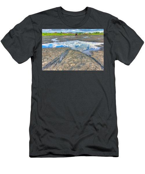 Trinidad Pitch Lake Men's T-Shirt (Athletic Fit)