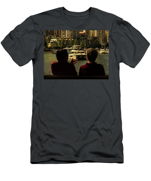Two Friends At The Vancouver Bay Men's T-Shirt (Athletic Fit)