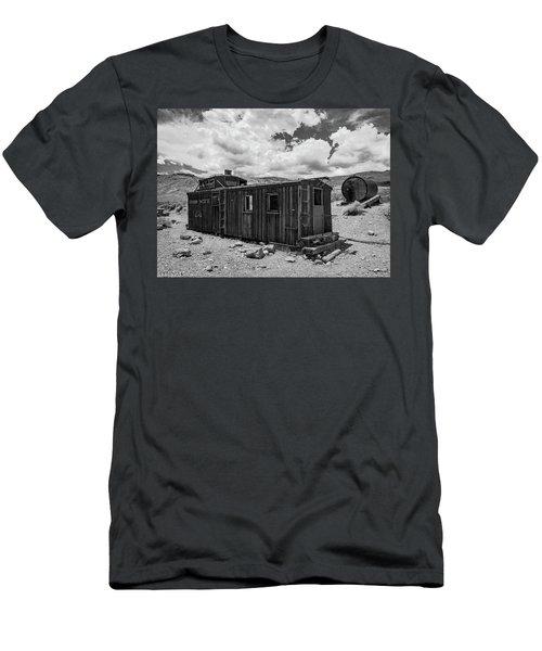 Union Pacific Caboose Men's T-Shirt (Athletic Fit)