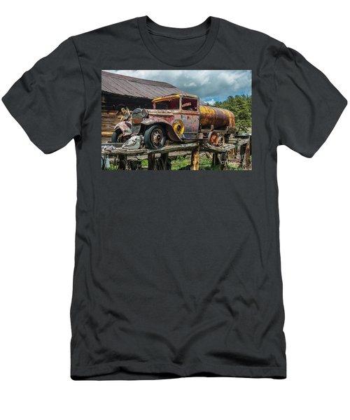Vintage Ford Tanker Men's T-Shirt (Athletic Fit)