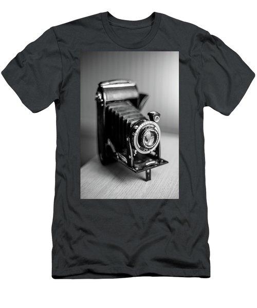 Voigtlander Men's T-Shirt (Athletic Fit)