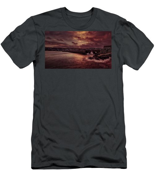 Wave At The Pier Men's T-Shirt (Athletic Fit)