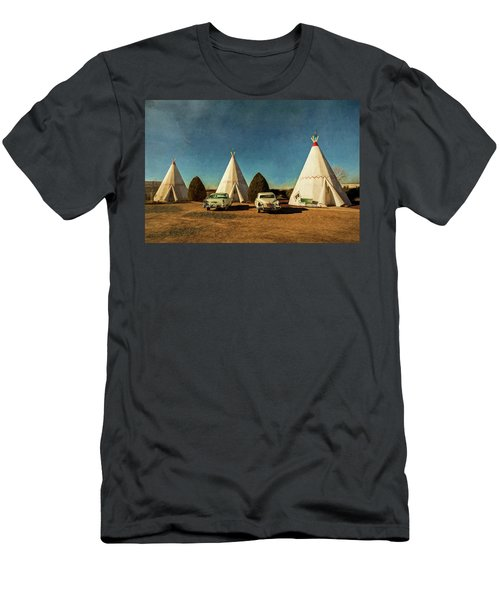 Wigwam Hotel Men's T-Shirt (Athletic Fit)