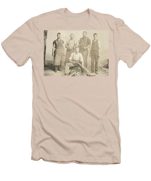 1800's Vintage Photo Of Blacksmiths Men's T-Shirt (Athletic Fit)