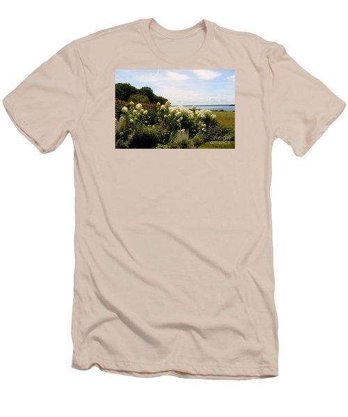 Bay View Bristol Rhode Island Men's T-Shirt (Athletic Fit)