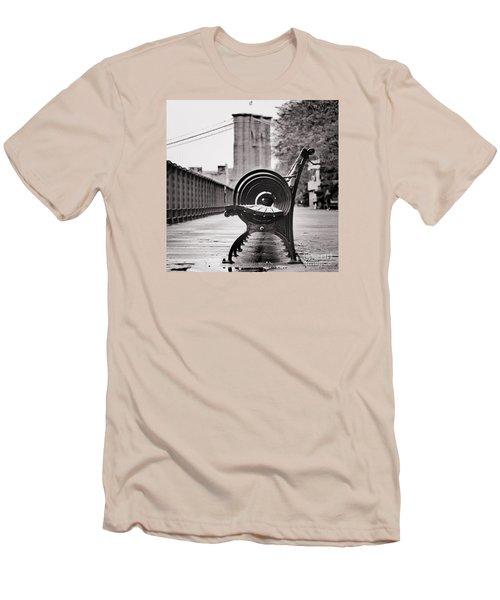 Bench's Circles And Brooklyn Bridge - Brooklyn Heights Promenade - New York City Men's T-Shirt (Athletic Fit)