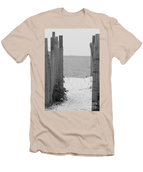 Beyond The Dunes Bw Men's T-Shirt (Athletic Fit)