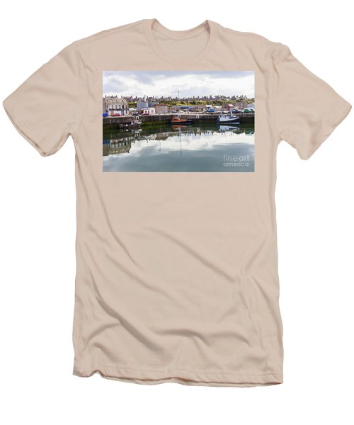 Buckie Harbour Men's T-Shirt (Athletic Fit)
