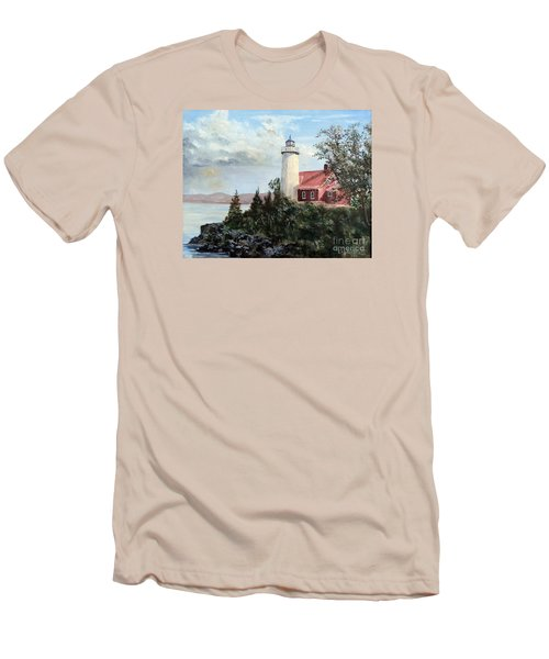 Eagle Harbor Light Men's T-Shirt (Slim Fit) by Lee Piper
