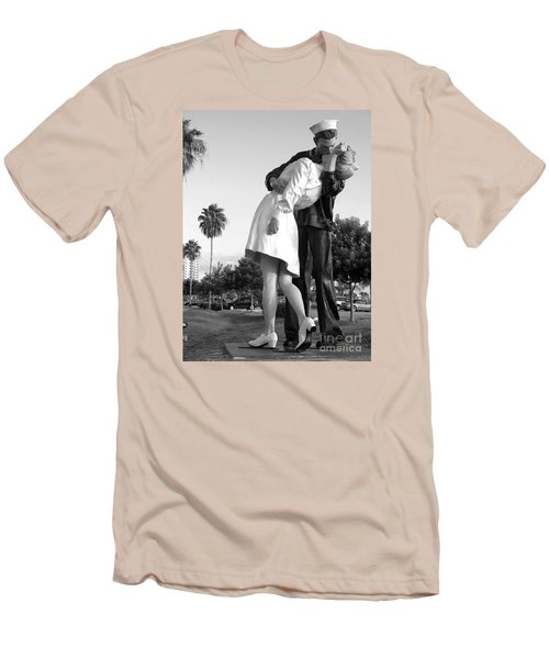 Kissing Sailor And Nurse Men's T-Shirt (Slim Fit) by Christiane Schulze Art And Photography