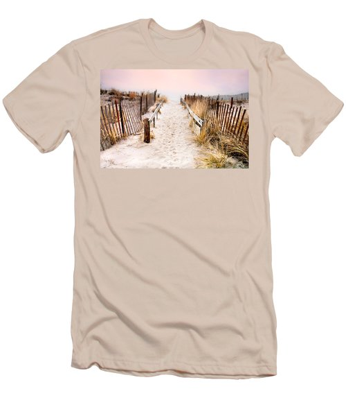 Love Is Everything - Footprints In The Sand Men's T-Shirt (Slim Fit)