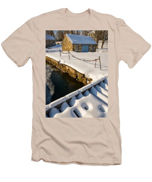 Morning Snow Men's T-Shirt (Athletic Fit)