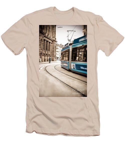 Munich City Traffic Men's T-Shirt (Athletic Fit)