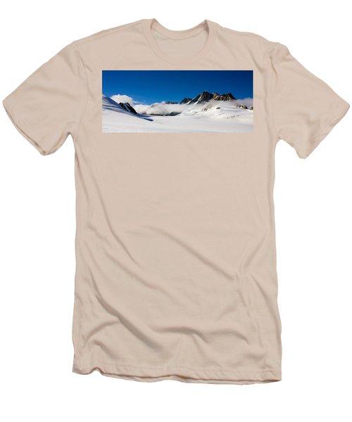 On Fox Glacier Men's T-Shirt (Athletic Fit)