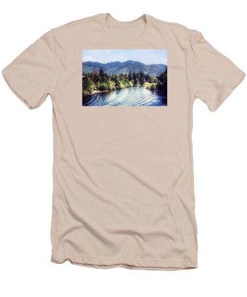 Oregon Views Men's T-Shirt (Slim Fit) by Melanie Lankford Photography