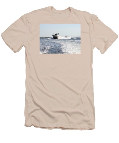 Racing To The Docks Men's T-Shirt (Slim Fit) by John Telfer