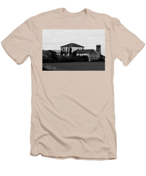 Rustic Outbuildings In A Field  Men's T-Shirt (Athletic Fit)