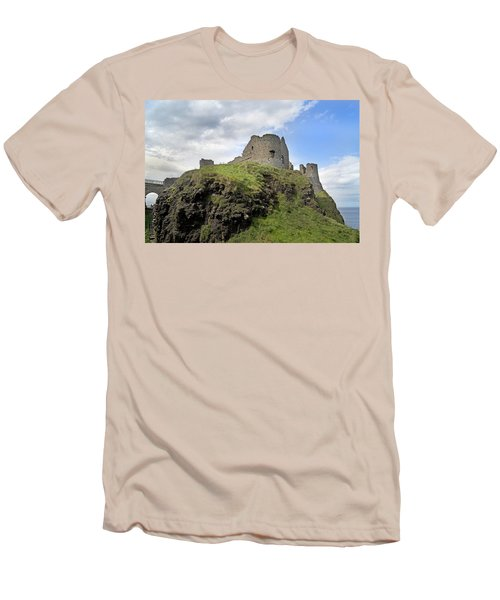 Seaside Castle Ireland Men's T-Shirt (Athletic Fit)