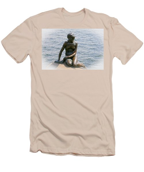 The Little Mermaid Of Copenhagen Men's T-Shirt (Slim Fit)